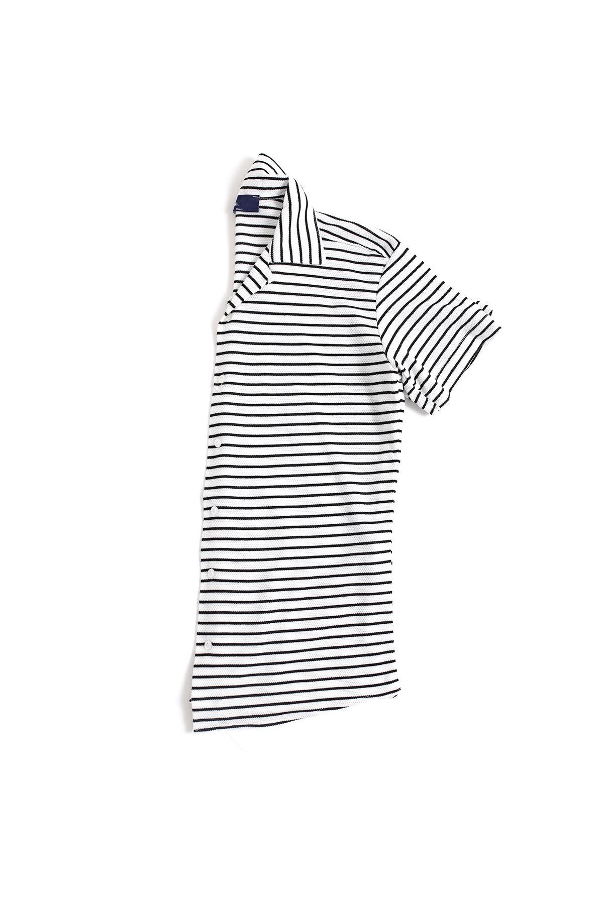 Siyah Çizgili Beyaz Triko Gömlek