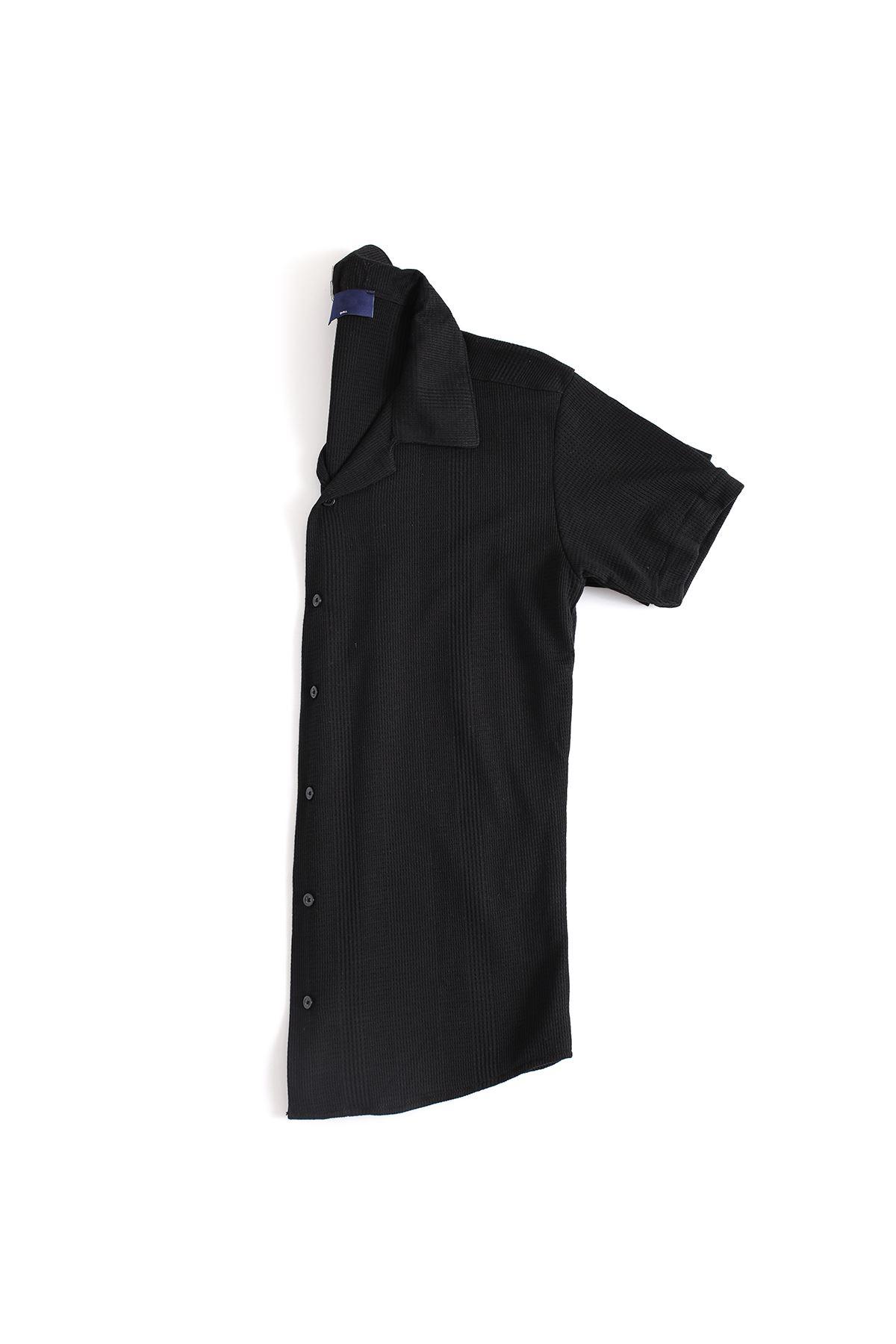 Siyah Triko Gömlek