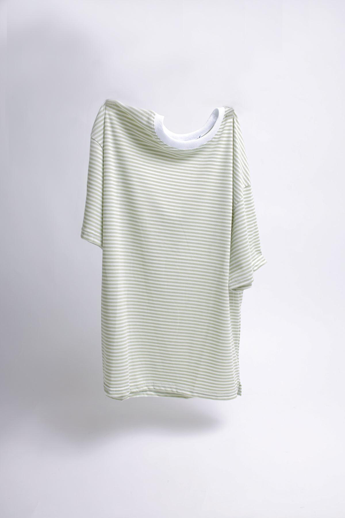 Oversize Çizgili Yeşil T-shirt