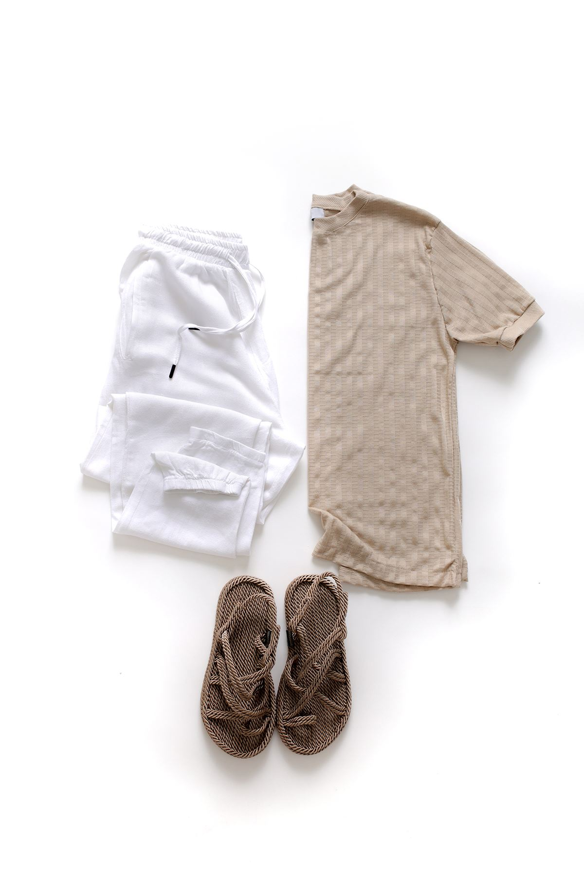 Vizon Triko T-Shirt Beyaz Keten Jogger Kombin