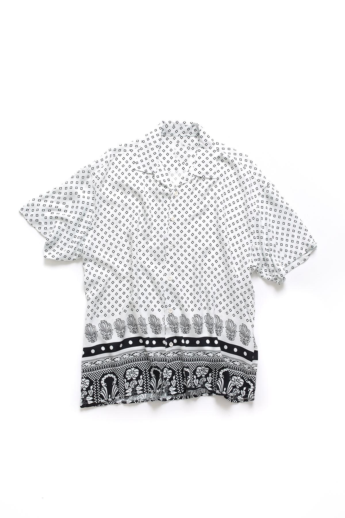Beyaz Kare Desenli Transfer Baskılı Gömlek