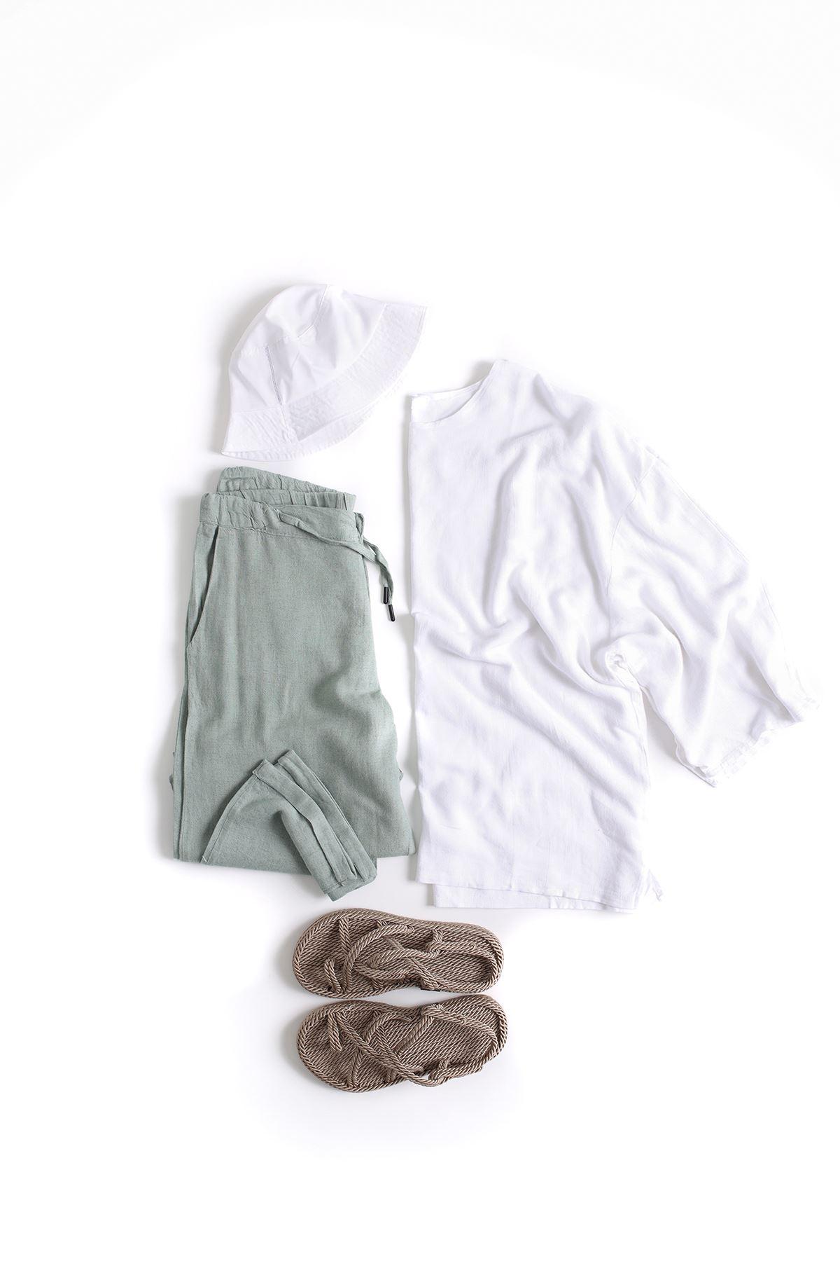 Oversize Beyaz Keten Fakir Kol T-Shirt Deniz Yeşili Keten Jogger Kombin